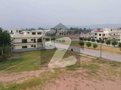 10 MARLA LEVEL AND SOLID PLOT IN BAHRIA TOWN PHASE 8 SECTOR F3