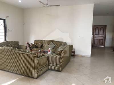 ڈی ایچ اے فیز 7 ڈی ایچ اے کراچی میں 5 کمروں کا 1 کنال مکان 2.75 لاکھ میں کرایہ پر دستیاب ہے۔