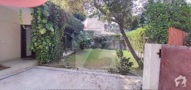 4 Kanal House For Sale In Gulberg