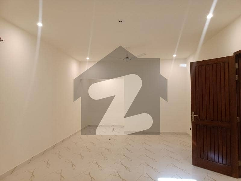 300 Sq Yards Independent Double Storey Bungalow For Rent