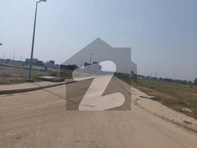 گالف ویو ریزیڈنسیا - فیز 1 گالف ویو ریذڈینشیاء بحریہ ٹاؤن لاہور میں 1 کنال رہائشی پلاٹ 1.95 کروڑ میں برائے فروخت۔