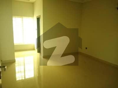 ایف ۔ 11/1 ایف ۔ 11 اسلام آباد میں 6 کمروں کا 2 کنال مکان 14.5 کروڑ میں برائے فروخت۔