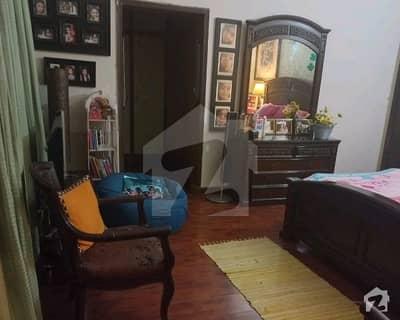 ائیرپورٹ روڈ لاہور میں 3 کمروں کا 2.5 کنال بالائی پورشن 1.5 لاکھ میں کرایہ پر دستیاب ہے۔