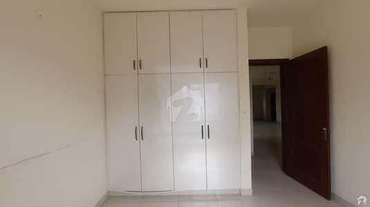 کلفٹن ۔ بلاک 5 کلفٹن کراچی میں 7 کمروں کا 2 کنال مکان 11 لاکھ میں کرایہ پر دستیاب ہے۔