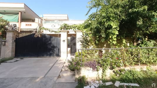 Prime Location Excellent House Is Available For Sale In G-9/1 Islamabad