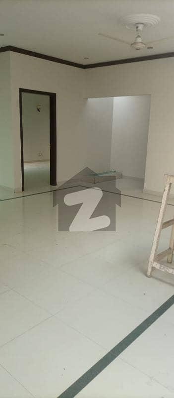 ڈی ایچ اے فیز 7 ڈی ایچ اے کراچی میں 3 کمروں کا 1 کنال بالائی پورشن 1.1 لاکھ میں کرایہ پر دستیاب ہے۔