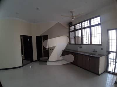 ڈی ایچ اے فیز 8 سابقہ ایئر ایوینیو ڈی ایچ اے فیز 8 ڈی ایچ اے ڈیفینس لاہور میں 4 کمروں کا 1 کنال مکان 1.1 لاکھ میں کرایہ پر دستیاب ہے۔
