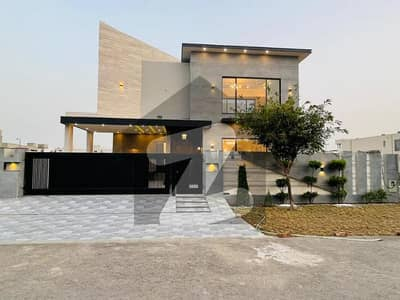 اسٹیٹ لائف ہاؤسنگ فیز 1 اسٹیٹ لائف ہاؤسنگ سوسائٹی لاہور میں 5 کمروں کا 1 کنال مکان 4.93 کروڑ میں برائے فروخت۔