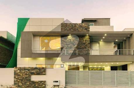 بحریہ ٹاؤن فیز 8 ۔ بلاک اے بحریہ ٹاؤن فیز 8 بحریہ ٹاؤن راولپنڈی راولپنڈی میں 5 کمروں کا 1 کنال مکان 5.5 کروڑ میں برائے فروخت۔