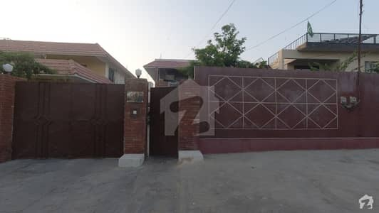 500 Square Yards Well Maintained Two Unit Bungalow Available For Sale at Prime Location of Main Khayaban e Bahria Phase 5 DHA
