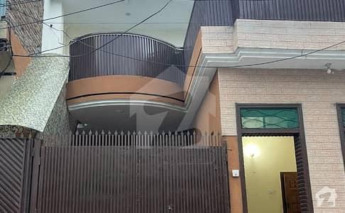 حیات آباد فیز 2 حیات آباد پشاور میں 5 کمروں کا 5 مرلہ مکان 1.8 کروڑ میں برائے فروخت۔