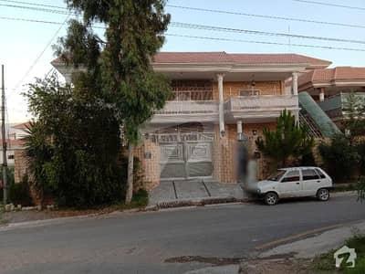 غازیکوٹ ٹاؤنشپ مانسہرہ میں 11 کمروں کا 1 کنال مکان 1.2 لاکھ میں کرایہ پر دستیاب ہے۔