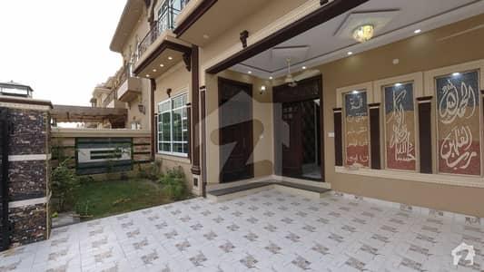 سینٹرل پارک ۔ بلاک اے سینٹرل پارک ہاؤسنگ سکیم لاہور میں 6 کمروں کا 10 مرلہ مکان 2.25 کروڑ میں برائے فروخت۔
