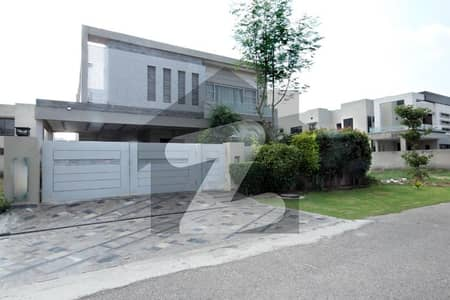 Full Basement Triple Storey One Kanal Luxurious Bungalow Direct Appraoch From Ring Road