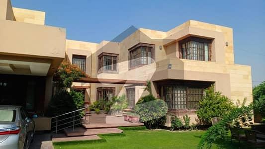 U Shaped Stylish 2 Kanal House For Sale