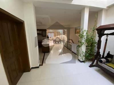 ایف ۔ 10/1 ایف ۔ 10 اسلام آباد میں 5 کمروں کا 1.14 کنال مکان 10.75 کروڑ میں برائے فروخت۔