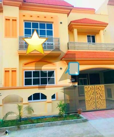 بحریہ ٹاؤن فیز 8 ۔ سفاری ویلی بحریہ ٹاؤن فیز 8 بحریہ ٹاؤن راولپنڈی راولپنڈی میں 5 کمروں کا 7 مرلہ مکان 1.9 کروڑ میں برائے فروخت۔