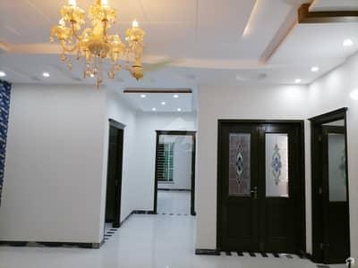 ملٹری اکاؤنٹس ہاؤسنگ سوسائٹی لاہور میں 5 کمروں کا 8 مرلہ مکان 2.15 کروڑ میں برائے فروخت۔