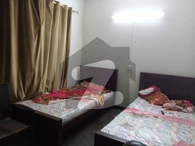 ڈی ایچ اے فیز 2 - بلاک یو فیز 2 ڈیفنس (ڈی ایچ اے) لاہور میں 1 کمرے کا 1 کنال کمرہ 40 ہزار میں کرایہ پر دستیاب ہے۔