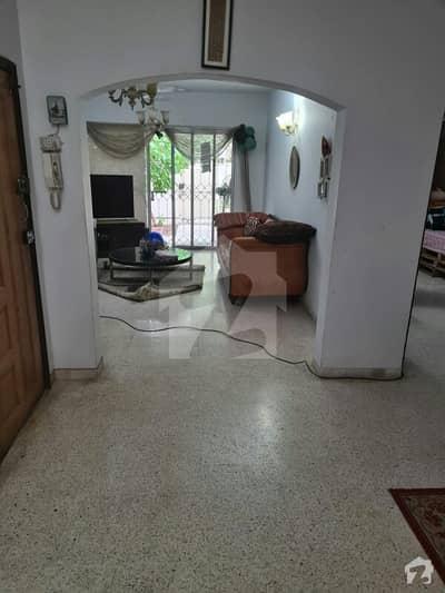 خلیق الزماں روڈ کراچی میں 2 کمروں کا 8 مرلہ فلیٹ 4 کروڑ میں برائے فروخت۔