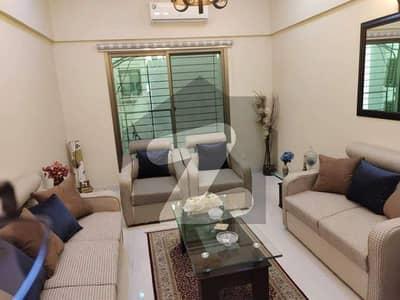 خلیق الزماں روڈ کراچی میں 3 کمروں کا 8 مرلہ فلیٹ 3.4 کروڑ میں برائے فروخت۔