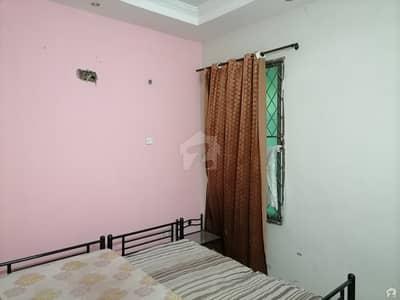 جوہر ٹاؤن فیز 2 - بلاک آر1 جوہر ٹاؤن فیز 2 جوہر ٹاؤن لاہور میں 4 کمروں کا 4 مرلہ مکان 48 ہزار میں کرایہ پر دستیاب ہے۔