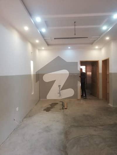 ایل ڈی اے ایوینیو ۔ بلاک ایم ایل ڈی اے ایوینیو لاہور میں 2 کمروں کا 10 مرلہ زیریں پورشن 30 ہزار میں کرایہ پر دستیاب ہے۔