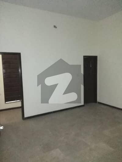 محمود آباد کراچی میں 3 کمروں کا 6 مرلہ فلیٹ 35 ہزار میں کرایہ پر دستیاب ہے۔