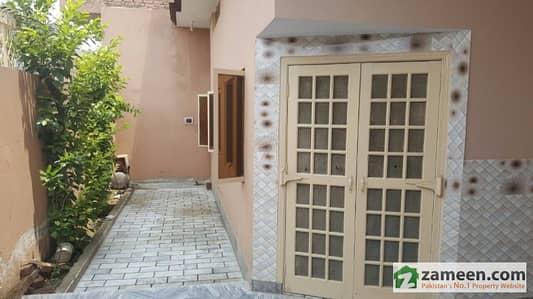 Chan Da Qila Bazar 7. 5 Marla Triple Story Home / Nice Location /