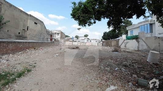 ماڈل ٹاؤن ۔ بلاک ایف ماڈل ٹاؤن لاہور میں 2 کنال رہائشی پلاٹ 11 کروڑ میں برائے فروخت۔