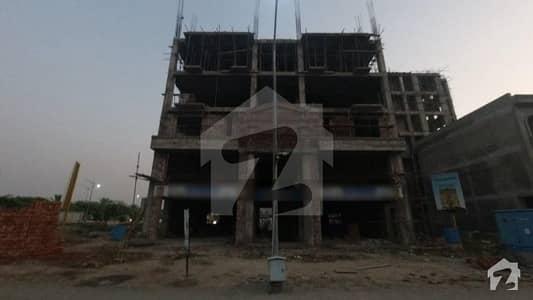 ڈریمز گارڈنز فیز 2 ڈریم گارڈنز ڈیفینس روڈ لاہور میں 1 کمرے کا 2 مرلہ فلیٹ 49 لاکھ میں برائے فروخت۔