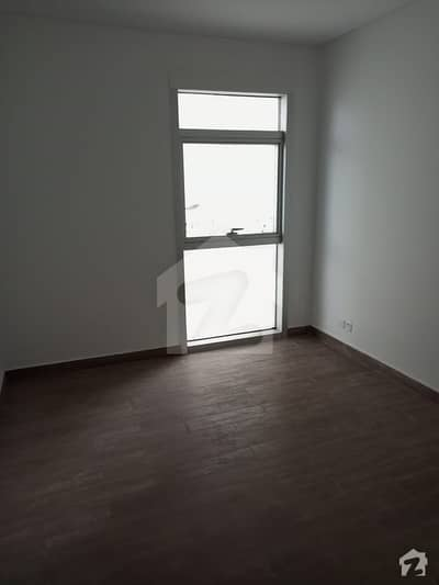 In Constitution Avenue 1100 Square Feet Flat For Rent