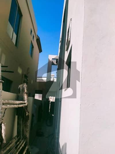 بحریہ ٹاؤن عمر بلاک بحریہ ٹاؤن سیکٹر B بحریہ ٹاؤن لاہور میں 5 کمروں کا 8 مرلہ مکان 1.95 کروڑ میں برائے فروخت۔