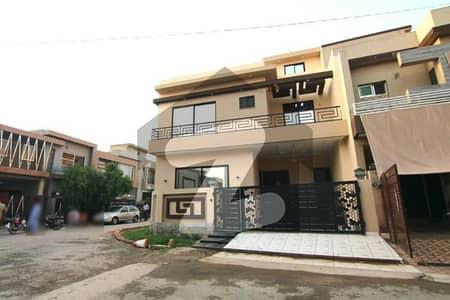 سٹیٹ لائف فیز۱۔ بلاک اے ایکسٹینشن اسٹیٹ لائف ہاؤسنگ فیز 1 اسٹیٹ لائف ہاؤسنگ سوسائٹی لاہور میں 4 کمروں کا 6 مرلہ مکان 1.55 کروڑ میں برائے فروخت۔