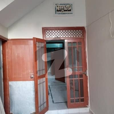 120 Sq Yd Portion For Rent