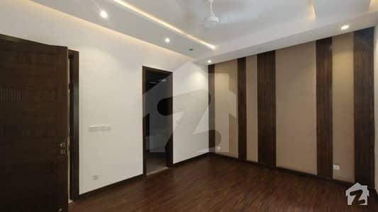 ڈی ایچ اے فیز 3 - بلاک ڈبلیو فیز 3 ڈیفنس (ڈی ایچ اے) لاہور میں 5 کمروں کا 1 کنال مکان 8.5 کروڑ میں برائے فروخت۔