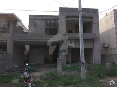 Ideal 12 Marla House has landed on market in Divine Gardens, Lahore
