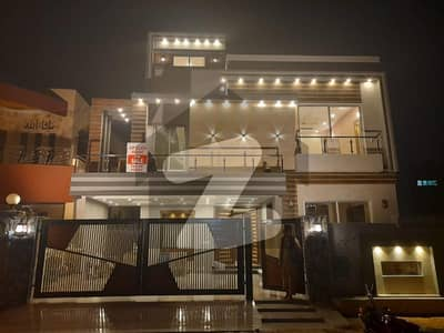 2 Bed Flat For Rent In Golmohar block Bahria Town Lahore .