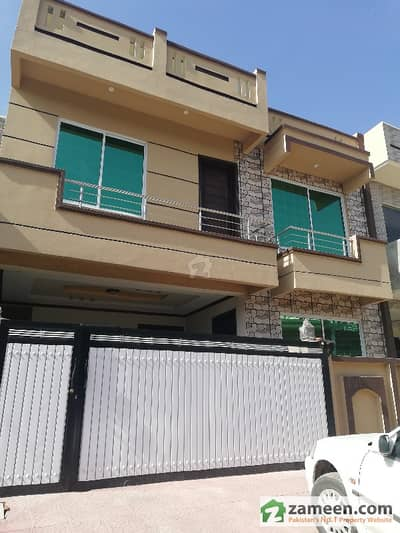 Corner House For Sale In I-10/2 On Main Chambali Road