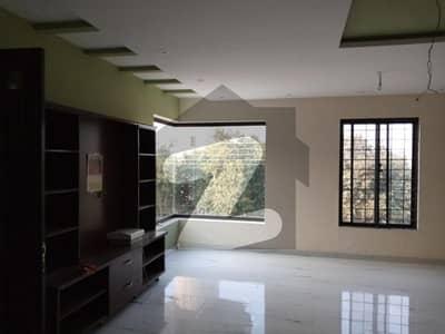 نشیمنِ اقبال فیز 2 نشیمنِ اقبال لاہور میں 3 کمروں کا 1 کنال بالائی پورشن 60 ہزار میں کرایہ پر دستیاب ہے۔