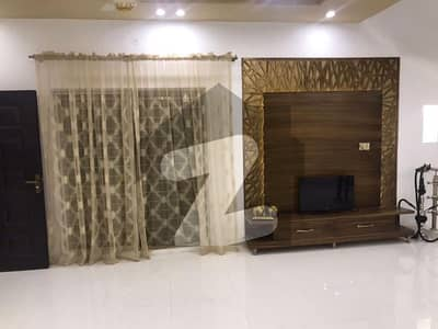 10 Marla Double Unit Beautiful House For Sale