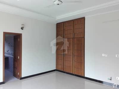 ایف ۔ 10 اسلام آباد میں 5 کمروں کا 2.13 کنال مکان 15.5 کروڑ میں برائے فروخت۔