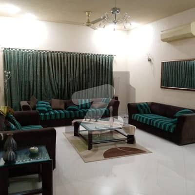 Outclass 500 yards Bungalow for sale at Golf course Phase 4.