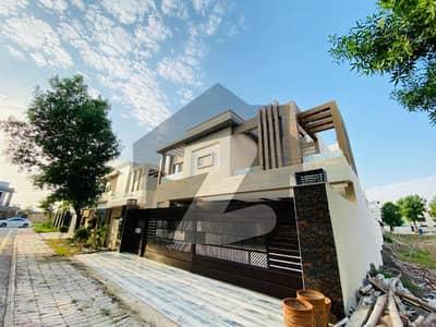 بحریہ ٹاؤن اوورسیز B بحریہ ٹاؤن اوورسیز انکلیو بحریہ ٹاؤن لاہور میں 6 کمروں کا 1 کنال مکان 5.25 کروڑ میں برائے فروخت۔