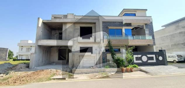 8 Marla Double Unit House Available For Sale In Faisal Town