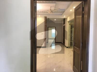 ڈی ایچ اے فیز 1 - سیکٹر بی ڈی ایچ اے ڈیفینس فیز 1 ڈی ایچ اے ڈیفینس اسلام آباد میں 5 کمروں کا 1 کنال مکان 5 کروڑ میں برائے فروخت۔