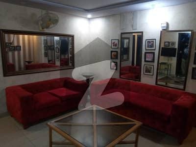 ڈی ایچ اے فیز 8 ڈیفنس (ڈی ایچ اے) لاہور میں 2 کمروں کا 5 مرلہ فلیٹ 70 ہزار میں کرایہ پر دستیاب ہے۔