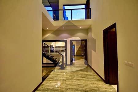 ڈی ایچ اے فیز 2 - بلاک آر فیز 2 ڈیفنس (ڈی ایچ اے) لاہور میں 5 کمروں کا 1 کنال مکان 2.2 لاکھ میں کرایہ پر دستیاب ہے۔