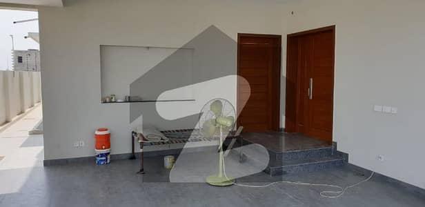ڈی ایچ اے فیز 2 - بلاک آر فیز 2 ڈیفنس (ڈی ایچ اے) لاہور میں 3 کمروں کا 1 کنال بالائی پورشن 90 ہزار میں کرایہ پر دستیاب ہے۔