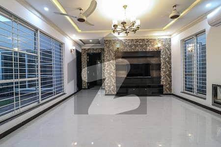 Very Neat And Clean 1 Kanal Upper Portion For Rent